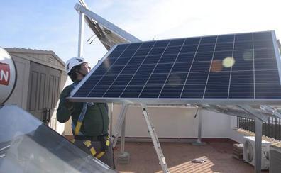 La Junta impulsa nuevas ayudas para la instalación de placas solares