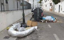 «Por favor, traficantes de 'maría' de Granada, tiren los escombros en los contenedores»