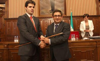 Luis Carmona deja la alcaldía de Ibros y pasa a centrarse en la Diputación