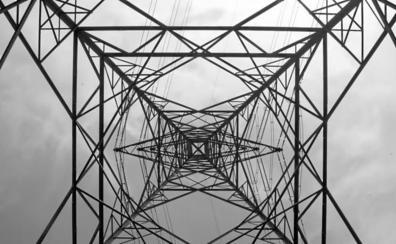 La plataforma en contra de las torres del Valle de Lecrín se ilusiona ante la opción de cambiar el trazado