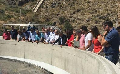 La Junta mantiene que prioriza la depuración de las aguas de la Costa