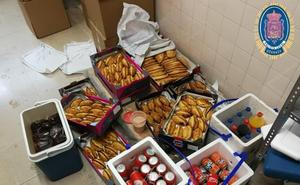 Intervienen un vehículo que vendía comida y bebida de forma ilegal en la puerta de un colegio de Granada