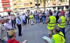 Pensionistas de Linares vuelven a movilizarse en sus 'lunes al Paseo' en defensa de sus derechos