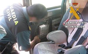 Interceptadas más de 5.000 cajetillas de tabaco en el puerto de Almería