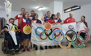 Los atletas del Purísima, protagonistas de unas olimpiadas vecinales que se tornan inclusivas