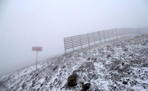 Caen la primeras nieves de la temporada en Sierra Nevada