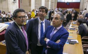 La Junta pondrá en marcha un teléfono de violencia intrafamiliar fruto del acuerdo presupuestario con Vox