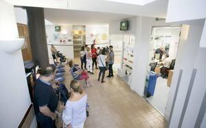 92 plazas de médico sin cubrir en centros de salud y 185 en hospitales de Granada