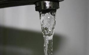 Salud mantiene la declaración de no apta para el consumo en el agua de Cárcheles por su turbidez