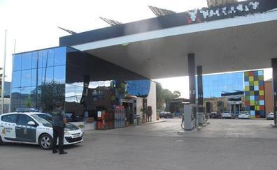 A prisión un bailenense por golpear en la cara a un empleado y robar 800 euros en una gasolinera de Bailén