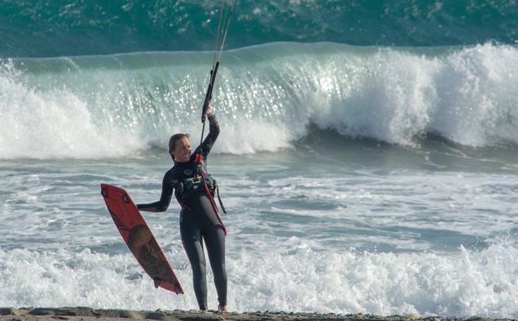 El sanador kitesurf para la campeona Ruth Mancilla y su hijo