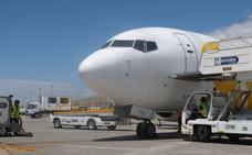 La gota fría obliga a cancelar dos vuelos y desvía otros dos a Málaga