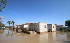 Realojan en hoteles a los turistas evacuados del camping del Cabo