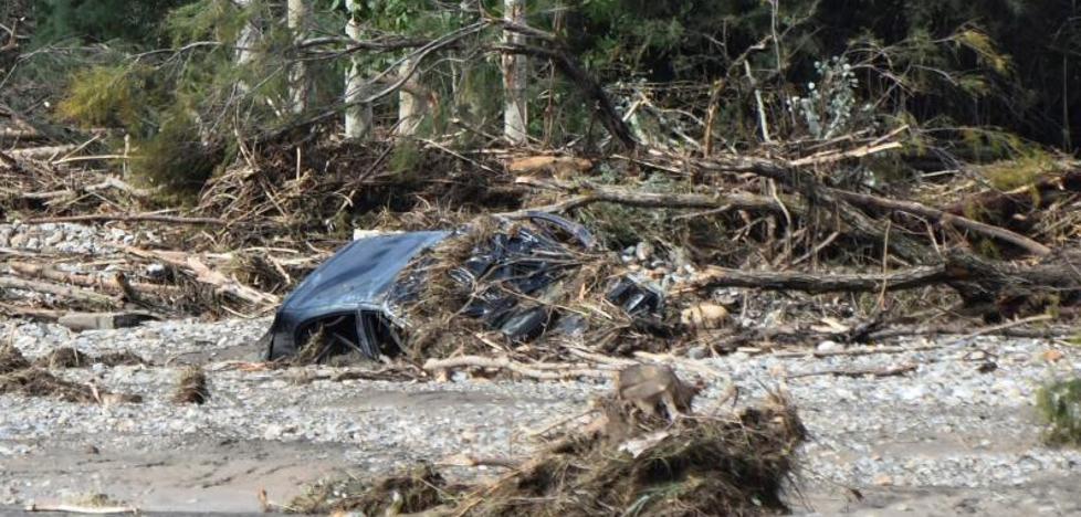 El vecino de Baza falleció arrastrado por una ola de barro y agua en una rambla