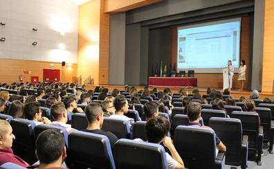 La UJA comienza a recibir a sus estudiantes de primer curso