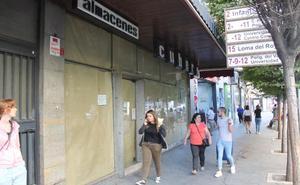 «La gente no llega al centro y los alquileres te asfixian, de casi dos mil euros no bajan»