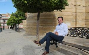 Miguel Moreno, alcalde de Porcuna: «Siempre he sido un verso suelto»