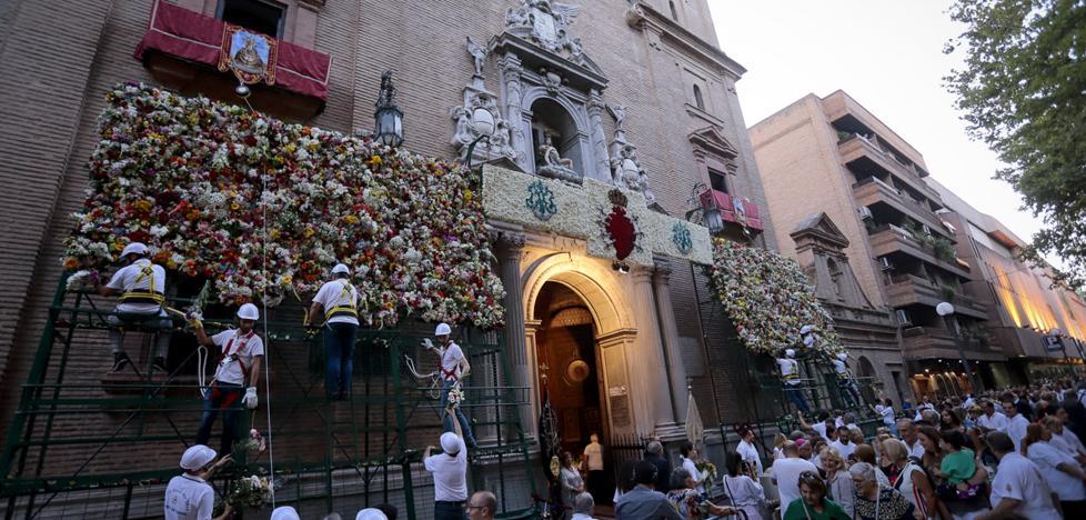 Granada se hizo flor para su Patrona
