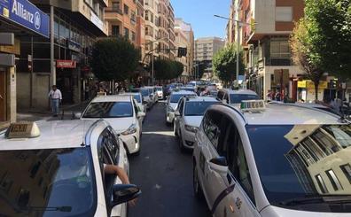 El Ayuntamiento convoca las pruebas para el permiso local de taxi