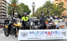 Cerca de 400 moteros disfrutaron en la ciudad de la primera edición de 'Motoreando'