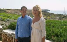 Valls y Gallardo cortan su ensaimada de boda
