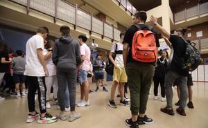 Vuelta a clase para 107.000 granadinos en un curso con más presupuesto y profesores