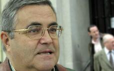 El PP recoge firmas en su sede para que Alfonso Sánchez sea Hijo Predilecto