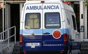 Hospitalizado un hombre tras precipitarse desde un tejado a una nave en Dólar