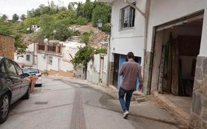 Buscan a dos personas por robar y cortar en la cara a un hombre en el Barranco del Abogado de Granada