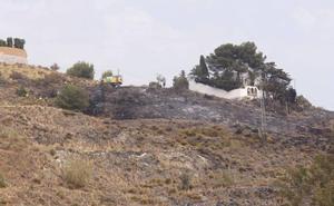 El Infoca sofoca un incendio forestal en Salobreña