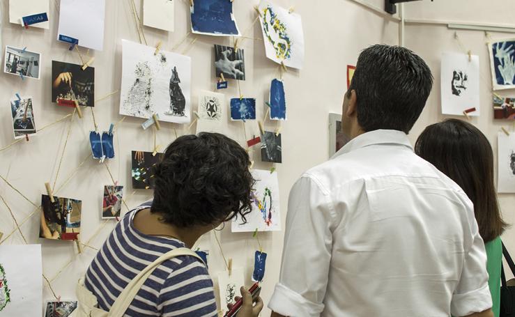 Jóvenes del centro de día Oliveros exponen sus trabajos en la Villaespesa
