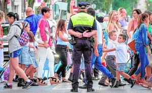 El Ayuntamiento de Granada reorganiza su Policía para sacar a la calle a 23 agentes más