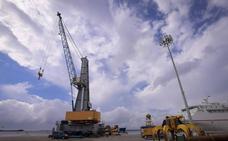 El Puerto de Motril incorpora una nueva grúa que incrementará el tráfico de mercancías