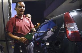 El precio del petróleo se dispara por la tensión en Arabia Saudí y afecta al bolsillo de los granadinos