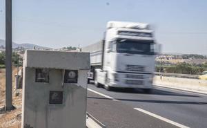 La Guardia Civil desvela dónde están todos los radares fijos, móviles y de tramo