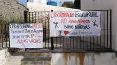 Cuarto día de huelga sin ir a clase en los colegios de Bérchules y Torvizcón por el cierre de unidades y la falta de profesores