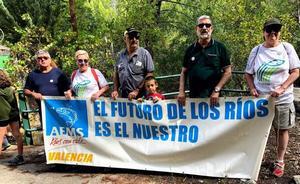 Marcha para pedir que «vuelva la vida» al río Zumeta