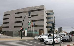 Piden ocho años de cárcel para el director de una escuela de verano de Almería por abusar de un alumno