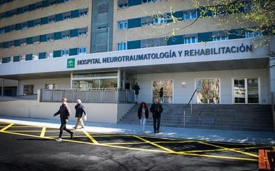 Trasladan al hospital a un menor herido tras ser atropellado en Granada