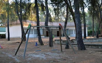 Asociaciones de padres denuncian el cierre de 146 unidades en colegios de Granada