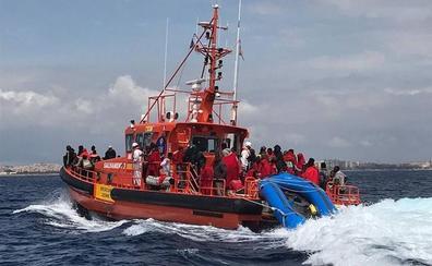 Evacuado a Almería un pasajero británico de un buque por una embolia pulmonar