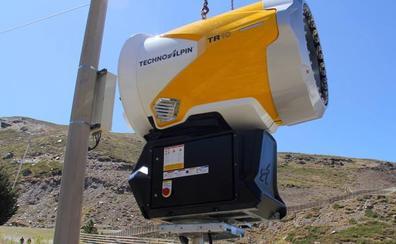 Sierra Nevada recibe 33 nuevos cañones de producción de nieve de última generación