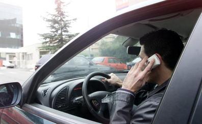 Más de cien multados al volante en Jaén en sólo una semana, la mayoría por usar el móvil