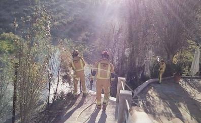 Controlado el fuego próximo al nacimiento de Río Frío, en Los Villares