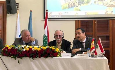 El catedrático Arturo Ruiz analiza en el Líbano las relaciones entre fenicios e íberos