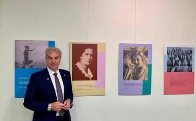 El Centro Mariana Pineda acoge una exposición dedicada al voto femenino
