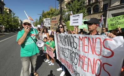 «Nuestros hijos son rehenes de una administración que no cumple con la normativa»