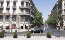 El Ayuntamiento de Granada anuncia un plan para renovar todas las señales del Casco Histórico