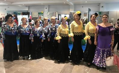 Manualidades, baile y diversión en el Día de las Personas Mayores