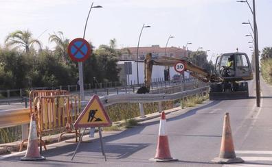 La limpieza de la rambla de las Brujas provocará cortes de tráfico toda la semana